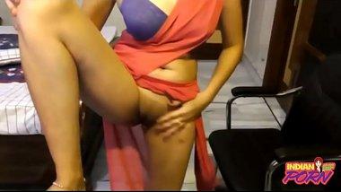 Indian Punjabi College Girl In Sari Exposing Clean Pussy - ( https://allindiansexvids.blogspot.com)
