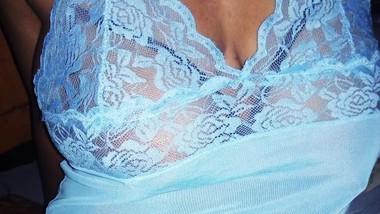 Sri lankan quick blow job and masturbate finger sexy pussy | හදිස්සියට කටට අරන් ඇගිල්ල ගහගන්න ශානි