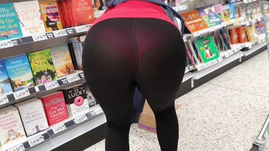 Candid Seethrough Spandex Leggings in the Supermarket Flashing Round Ass and Cameltoe