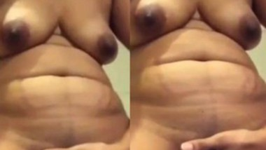 Bhabi Showing boob and fingering pussy