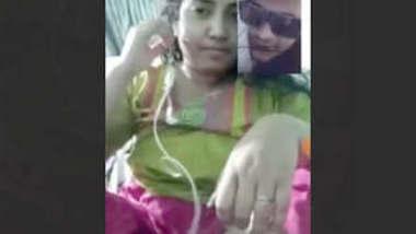 Beautiful Bangladeshi Married Bhabi Showing On VideoCall