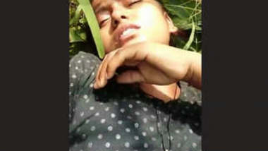 Cute Desi Girl OutDoor Fucking