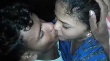 Indian young neighbor lovers ki quick romantic sex video