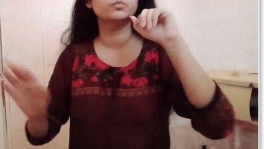 Long haired desi bhabhi strip bathing video clip