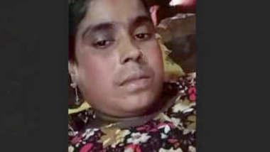 Bangladeshi Bhabhi Showing Boobs and Fingerring On Video Call