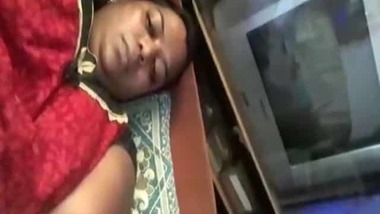 Super sexy Bhabhi masturbating on live cam