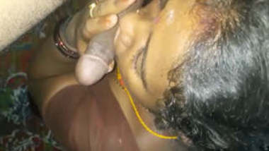 Desi matured Bhabhi socking blowjob