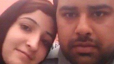 Kashmiri lovers ki romance and boob sucking