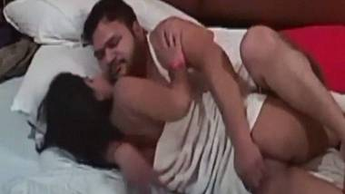 Indian Honey trap sex video from Hotel room leaked online