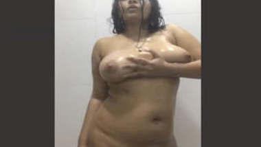 Sexy Desi Girl Nude Dance In Bathroom 2 clips part 1