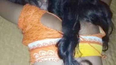 saree and blouse bhabi ass captured before sex
