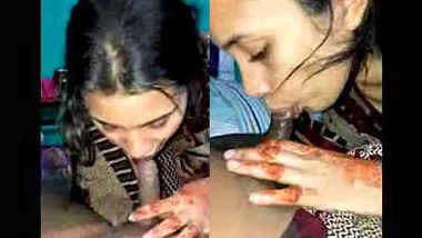Cute Desi Girl Fingering and Blowjob