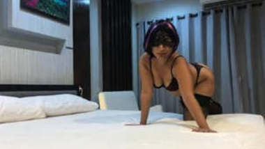Desi Super Hot NRI girl New Clips Part 1