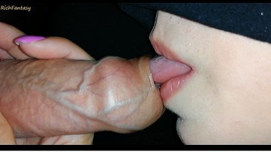 Young stepmom plays with her tongue with my foreskin