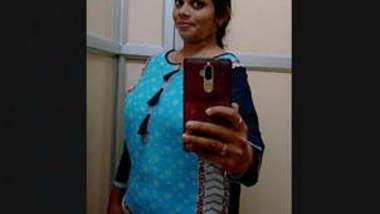 Big Hanging Boobs Tamil Babe Manasa Fingering in Bathroom