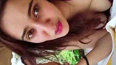Aisha Hot bikini and neha sharma cleavage show