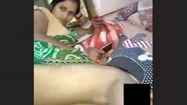 Bhabhi pussy drilled by husband using candle on video call with clear hindi talk