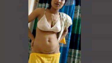 Bangladeshi Hot & Sexy Bhabhi Salma Part 4