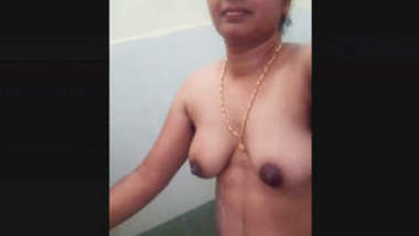 Desi Gf Nude Bathroom Selfie