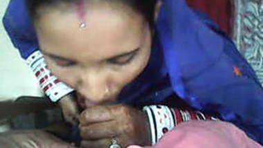 Newly married girl blowjob to husband