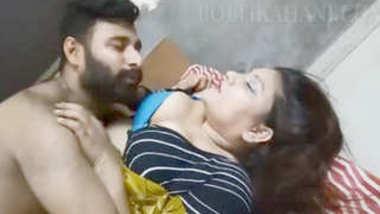 Desi aunty romance with husband best friend Part-1