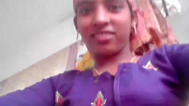 Desi village bhabi fing her big pussy