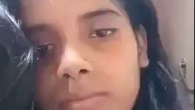 Desi yoni show of Indian girl – Nude MMS show