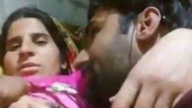 Punjabi Chuchi sucking MMS video