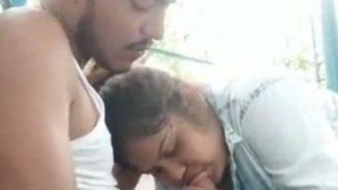 Indian outdoor oral sex