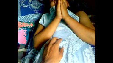 Desi xvideo of a shy bhabhi enjoying a nice home sex session
