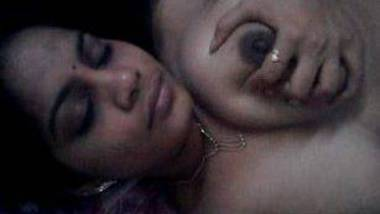 Indian office secretary fondling boobs selfie