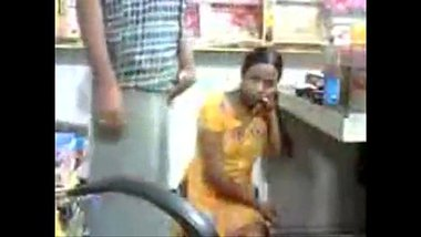 Pron video of a desi girl fucking her boss in the grocery shop