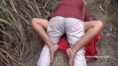 Desi aunty fucking with an uncle in the forest outdoors