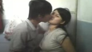 Assam ki amateur teen girl ke sex ki desi hot ashleel film