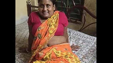 bubbly village housewife erotic navel show