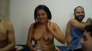 College ke hostel mai sexy girl ka group sex scandal