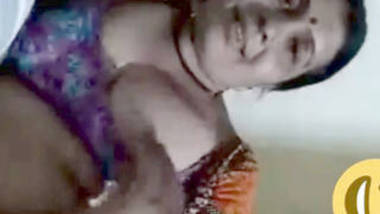 mature indian wife romance with lover on live video call