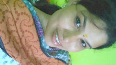 desi girl in salwar top hot boob and pussy rubbing show