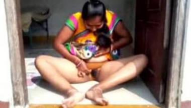 Desi village bhabhi sucking