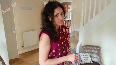 Marathi hot bhabhi ne pati ke friend se apni fuddi chudwai