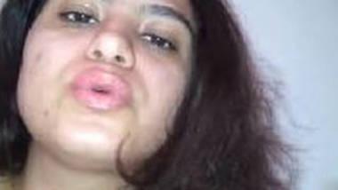 Desi Babe Masturbating