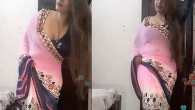 Hot Jassi Queen Teasing Fans In Pink Saree