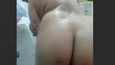 Desi bhabi show her Big ass