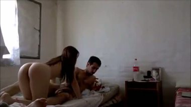 Amateur college girl enjoys home sex with her boyfriend