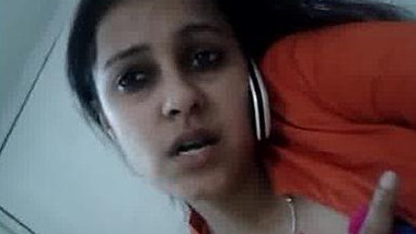 Banglore Accntre IT manager fingered for her junior in office bathroom