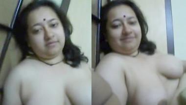 Bangla Horny Wife boobs play n handjob