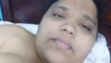 Chubby Indian Bhabi Masturbating (Update)