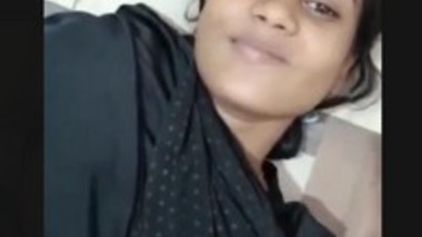 Cute Desi Girlfriend video leak