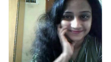 Desi supper sexy doctor aunty on cam