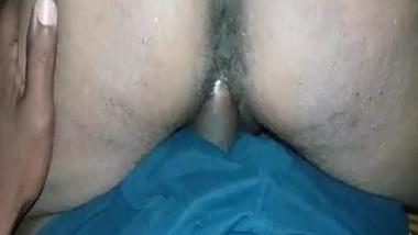 Desi aunty riding cock